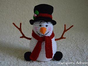 Вяжем крючком новогодний сувенир