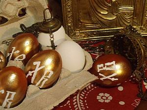 Необычный способ покраски куриного яйца к Пасхе. Ярмарка Мастеров - ручная работа, handmade.