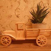 """Куклы и игрушки ручной работы. Ярмарка Мастеров - ручная работа Игрушка деревянная """"Грузовик"""" коричневая. Handmade."""