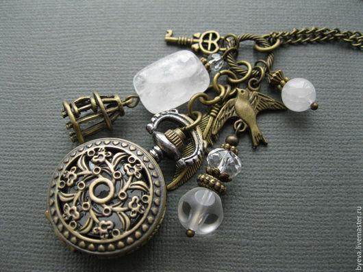 """Часы ручной работы. Ярмарка Мастеров - ручная работа. Купить Часы кулон (медальон, карманные) с горным хрусталем """"Птичка, клетка"""". Handmade."""