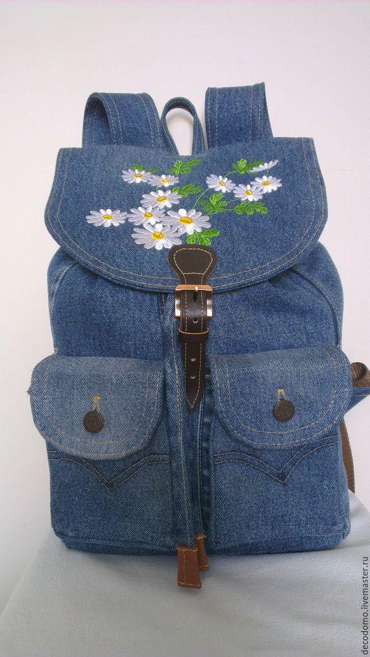 """Рюкзаки ручной работы. Ярмарка Мастеров - ручная работа. Купить Рюкзак джинсовый """"Ромашки"""". Handmade. Синий, рюкзак для девушки"""