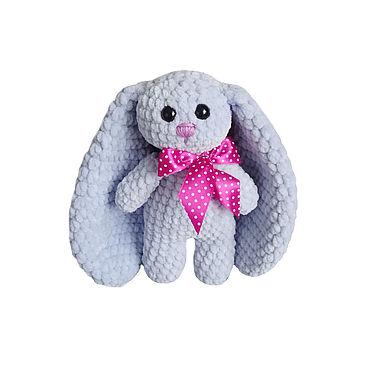 Куклы и игрушки ручной работы. Ярмарка Мастеров - ручная работа Вязаный плюшевый зайчик с большими ушами голубой. Handmade.