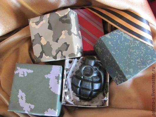 Ароматическое мыло с маслами в комплекте с оригинальной подарочной упаковкой.