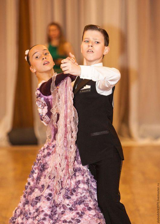 Танцевальные костюмы ручной работы. Ярмарка Мастеров - ручная работа. Купить Платье для европейской программы Ю1. Handmade. Брусничный, органза