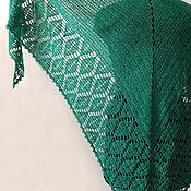 """Аксессуары ручной работы. Ярмарка Мастеров - ручная работа Вязаная шаль """"Нефрит"""" изумрудного цвета. Handmade."""