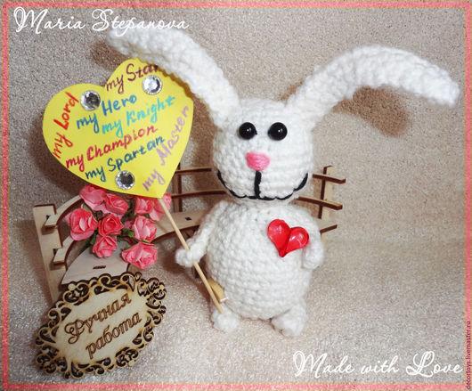Игрушки животные, ручной работы. Ярмарка Мастеров - ручная работа. Купить СердеШный Заяц - маленький вязаный Заяц. Handmade. Белый