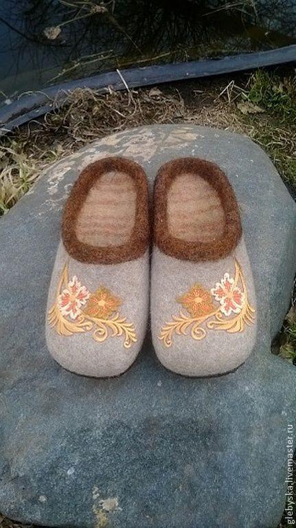 """Обувь ручной работы. Ярмарка Мастеров - ручная работа. Купить Тапочки """"Осенние цветочки"""". Handmade. Бежевый, шерсть верблюжья"""