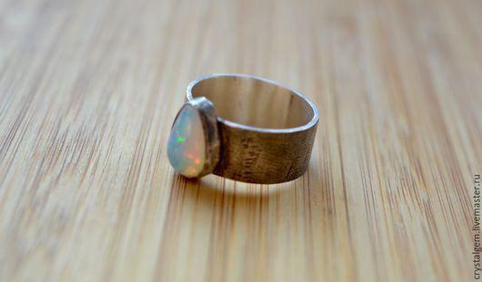 """Кольца ручной работы. Ярмарка Мастеров - ручная работа. Купить """"Febbre"""", эфиопский опал, серебро. Handmade. Голубой, серебряное кольцо"""