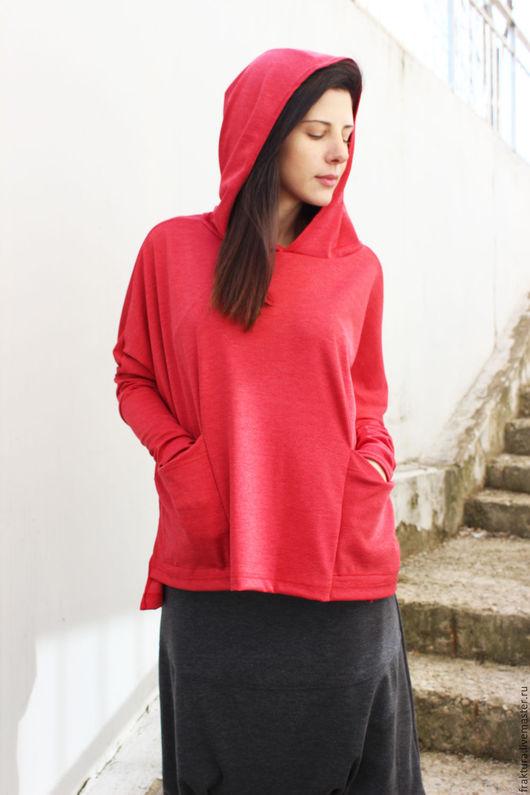 Кофты и свитера ручной работы. Ярмарка Мастеров - ручная работа. Купить Свитер с капюшоном и карманами - красный B0009. Handmade. свитер