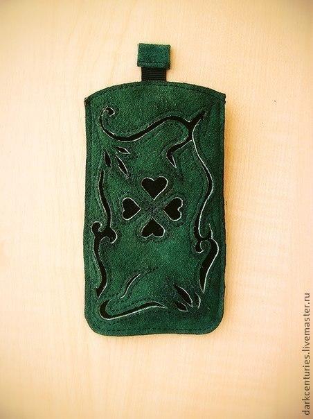Чехол для телефона, iphone, samsung, nokia, htc, из натуральной кожи, с изображением орнамента с клевером, зеленого цвета. Ручная работа. Изготавливается под размеры вашего телефона.