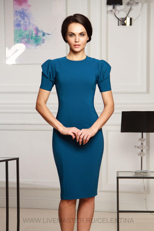 Бирюзовое повседневное платье футляр с рукавом фонарик.