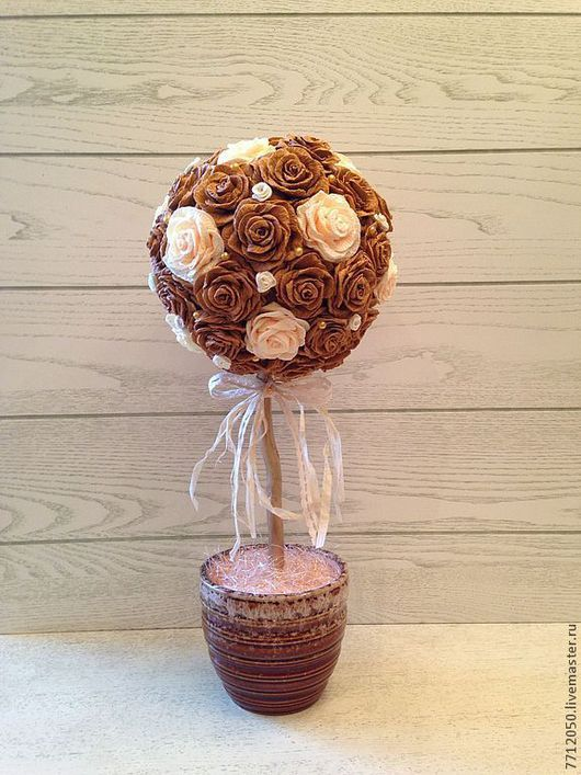 топиарий бежевые розы необычный топиарий розы из гофрированной бумаги светло-коричневый подарок для дома для интерьера для фотосессий оригинальный топиарий необычный подарок дерево счастья подарок на