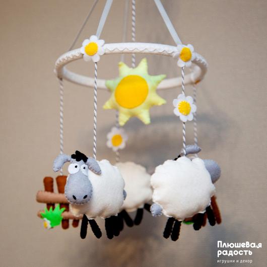 """Подарки для новорожденных, ручной работы. Ярмарка Мастеров - ручная работа. Купить Мобиль из фетра """"Ванильные овечки"""". Handmade. Мобиль, для малышей"""