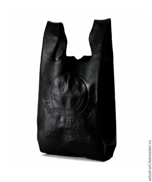 """Мужские сумки ручной работы. Ярмарка Мастеров - ручная работа. Купить Сумка - пакет из натуральной кожи """"Смайл"""". Handmade. Черный"""