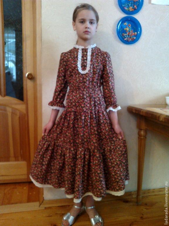 Платья из коричневой ткани