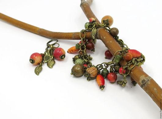 Браслет-гроздь, летний браслет, летнее украшение, браслет с натуральными камнями и деревянными бусинами, оригинальный браслет на руку, Вера Деменева, Ярмарка Мастеров