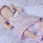 Куклы и игрушки ручной работы. Ярмарка Мастеров - ручная работа Цветочки на белом/Наряд для крошки. Handmade.