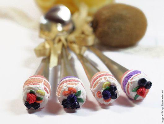 Ложки ручной работы. Ярмарка Мастеров - ручная работа. Купить Вкусная ложечка с декором тортик с ягодами ассорти. Handmade.