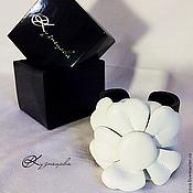 Украшения handmade. Livemaster - original item A leather bracelet White Flower Bracelet. Handmade.