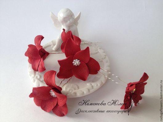 Свадебные украшения ручной работы. Ярмарка Мастеров - ручная работа. Купить Шпильки Красные цветы со стразами. Handmade. Украшение