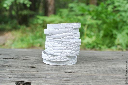 Браслеты ручной работы. Ярмарка Мастеров - ручная работа. Купить Белый Кожаный браслет (white_Indi_Cuff_Croc). Handmade. Белый