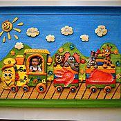 """Для дома и интерьера ручной работы. Ярмарка Мастеров - ручная работа Картина с детскими отпечатками""""Радужный паровозик"""". Handmade."""