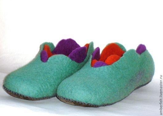"""Обувь ручной работы. Ярмарка Мастеров - ручная работа. Купить Тапочки """"Крокус"""". Handmade. Мятный, цветок, лиловый, натуральная кожа"""