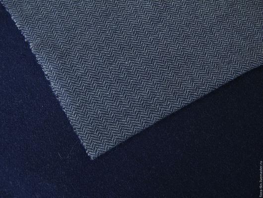 Трикотаж дабл. Лицевая сторона мелкая елочка сине-серая, изнаночная гладкая темно-синяя. Цвет наиболее приближен к реальному