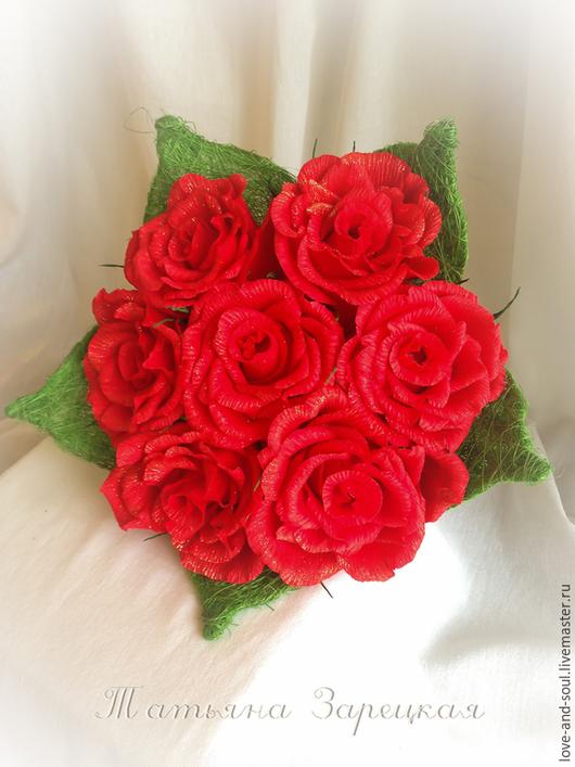 """Букеты ручной работы. Ярмарка Мастеров - ручная работа. Купить Букет из конфет """"Красные Розы"""". Handmade. Ярко-красный"""