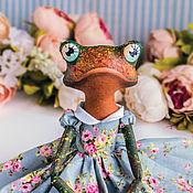 Куклы и пупсы ручной работы. Ярмарка Мастеров - ручная работа Лягушка Люси текстильная кукла. Handmade.
