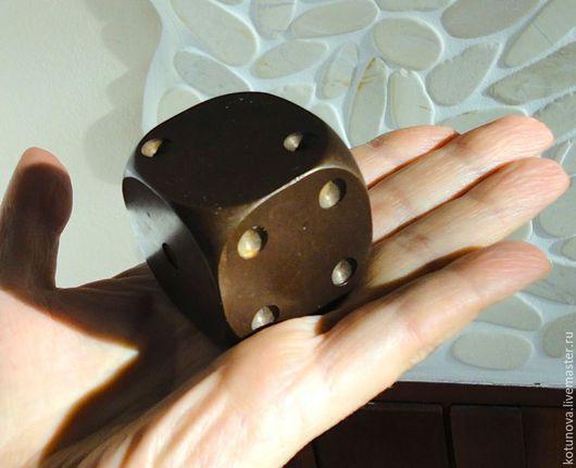 Винтажные куклы и игрушки. Ярмарка Мастеров - ручная работа. Купить Старинный железный кубик 483г! для игры на земле.. Handmade.