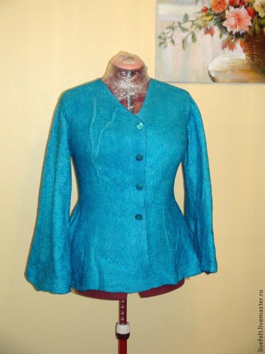 """Пиджаки, жакеты ручной работы. Ярмарка Мастеров - ручная работа. Купить Валяный пиджак """"Изысканный"""" бирюзовый. Handmade. Бежевый, бирюзовый"""