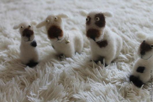 Игрушки животные, ручной работы. Ярмарка Мастеров - ручная работа. Купить овечки на полянке. Handmade. Белый, Овечки, Валяние, шерсть