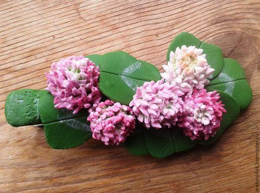 """Заколки ручной работы. Ярмарка Мастеров - ручная работа. Купить Заколка-зажим из полимерной глины """"Клевер"""", цветы из пластики. Handmade."""