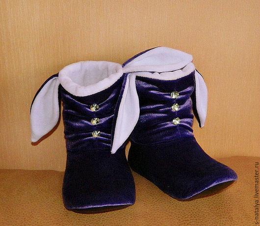 Обувь ручной работы. Ярмарка Мастеров - ручная работа. Купить Тапочки зайчики со стразами. Handmade. Фиолетовый, Тапочки с ушками