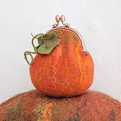 Сумки и аксессуары ручной работы. Ярмарка Мастеров - ручная работа Оранжевая валяная тыква, кошелек для разных мелочей. Handmade.