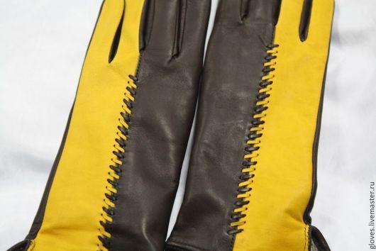 Варежки, митенки, перчатки ручной работы. Ярмарка Мастеров - ручная работа. Купить Перчатки женские кожаные на шерстяной подкладке(комбинированые). Handmade.