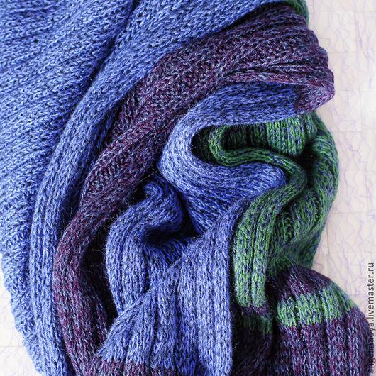 Шарфик Море ручной работы, связан тонкими спицами. Сочетание темно-синего и зеленого цветов. Легкий, гладкий, мягкий, шелковистый, с тонкой нитью шерсти в составе. Подойдет и женщине и мужчине.