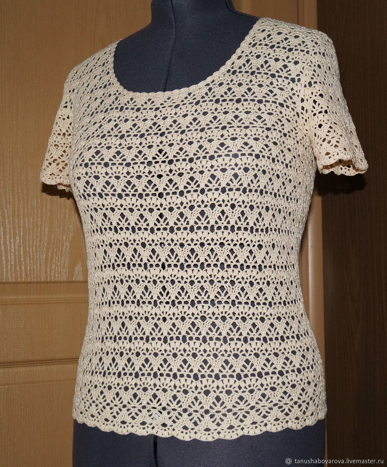 Summer blouse, t - shirt crocheted, the pattern is \