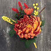 Цветы и флористика ручной работы. Ярмарка Мастеров - ручная работа Осенний букетик с хризантемой из полимерной глины. Handmade.