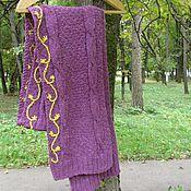 Аксессуары ручной работы. Ярмарка Мастеров - ручная работа Вязаный фиолетовый шерстяной длинный шарф спицами с вышивкой.. Handmade.