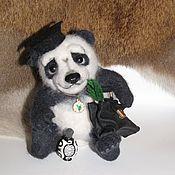 Куклы и игрушки ручной работы. Ярмарка Мастеров - ручная работа Панда, учёный бакалавр. Handmade.