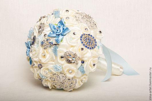 """Свадебные цветы ручной работы. Ярмарка Мастеров - ручная работа. Купить Букет-брошь """"Зимняя сказка"""". Handmade. Голубой"""