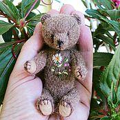 Куклы и игрушки ручной работы. Ярмарка Мастеров - ручная работа Мини-мишка тедди 9,5 см с вышивкой. Handmade.