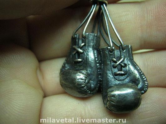 """Украшения для мужчин, ручной работы. Ярмарка Мастеров - ручная работа. Купить """"Перчатки боксерские"""" подвеска. Handmade. Боксерские перчатки, боксеру"""