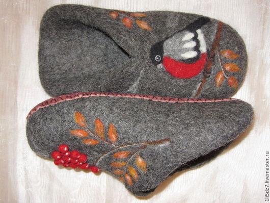 """Обувь ручной работы. Ярмарка Мастеров - ручная работа. Купить Валяные шлепки на тему """"Рябиновая осень"""".Вариант 1.. Handmade."""