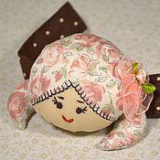 """Куклы и игрушки ручной работы. Ярмарка Мастеров - ручная работа Игольница-браслет """"Куколка"""". Handmade."""