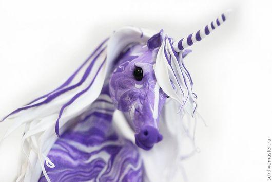 """Сказочные персонажи ручной работы. Ярмарка Мастеров - ручная работа. Купить статуэтка """"Единорог фиолетовой дымки"""" (фиолетовый с белым; лежит). Handmade."""