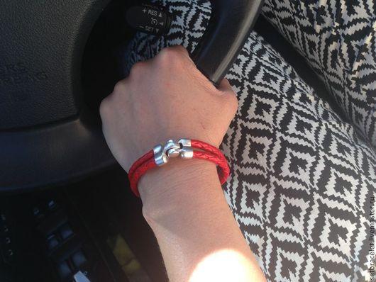 Браслеты ручной работы. Ярмарка Мастеров - ручная работа. Купить Кожаный браслет из кожи красной пелетенный двойной. Handmade.