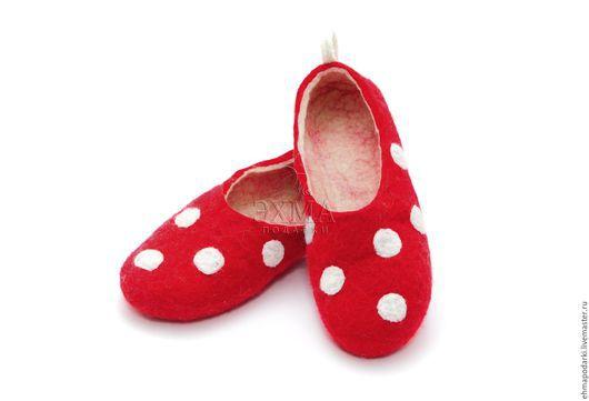 Обувь ручной работы. Ярмарка Мастеров - ручная работа. Купить Войлочные тапочки.. Handmade. Войлочные тапочки, дизайнерские тапочки